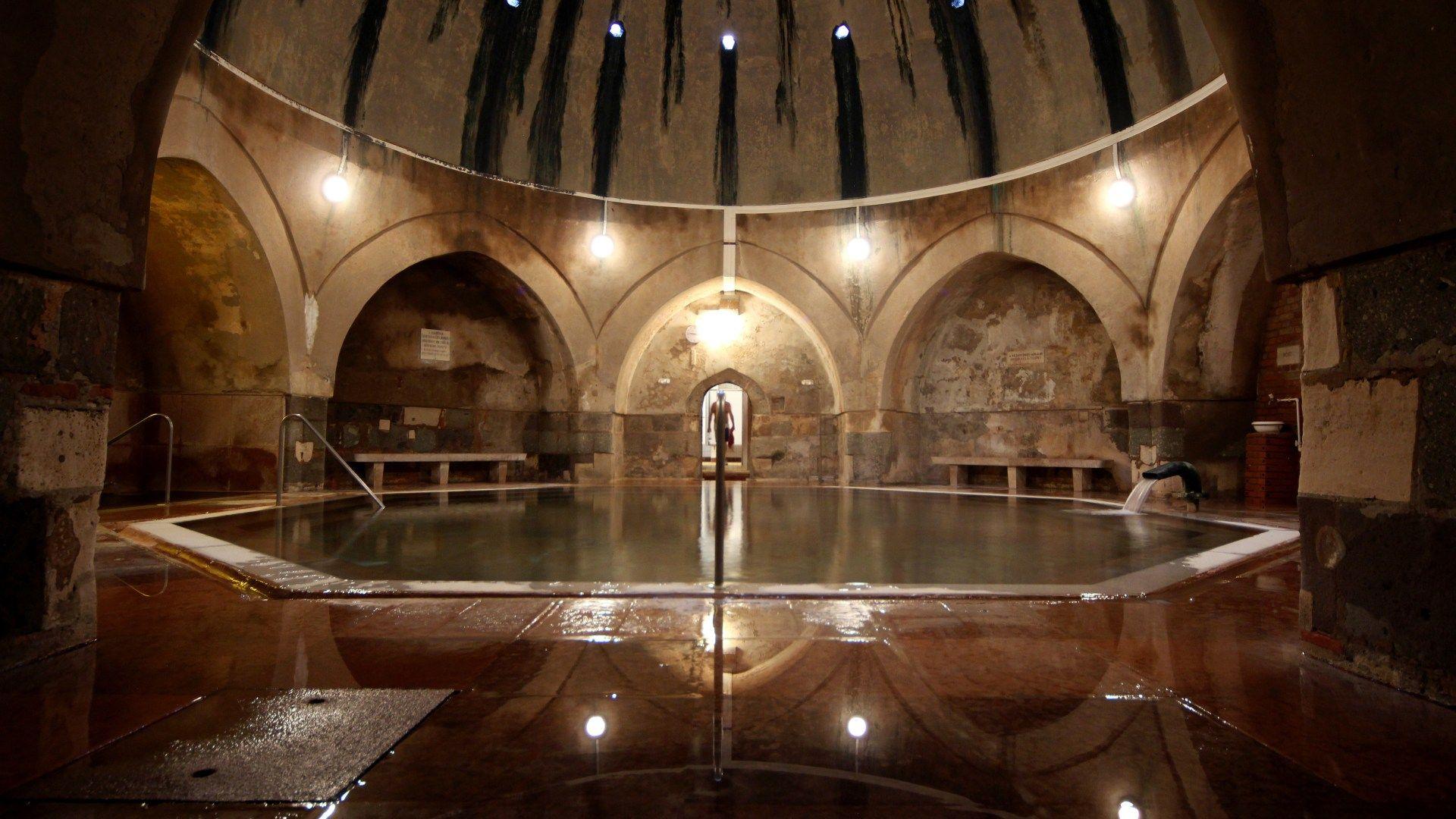 Λουτρά Κίραλι (Kiraly baths), Βουδαπέστη, Ουγγαρία, Ευρώπη